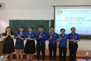 """Chi đoàn lớp K5 đã tổ chức sinh hoạt chủ đề """"Thanh niên – Uống nước nhớ nguồn"""""""