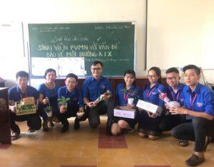 """Sinh viên khóa 5 thi thực hành môn """"Công tác giáo dục của Đoàn TNCS. Hồ Chí Minh"""""""