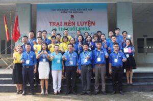 Cấp Chứng chỉ chứng nhận cho học viên Lớp Bồi dưỡng nghiệp vụ Đoàn – Hội – Đội.